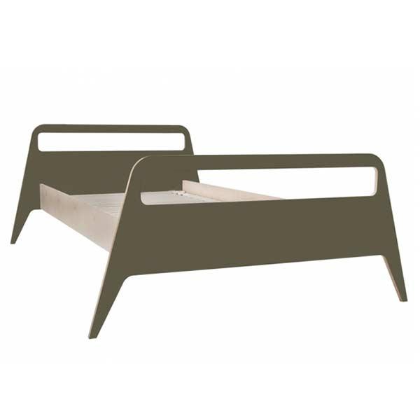 Lit à la structure laquée de vernis ultra mat style nordique