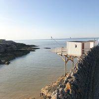 Ces petites cabanes de pêcheurs qu'on adore #blomkal#plage#playa#off#cabane#cabin#design#architecture
